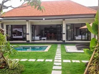 3BR Pool Villa Mertanadi - Seminyak