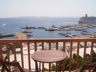 2 bedroom apartment over the port, Mykonos Town