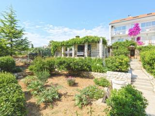 House in the garden by the Sea, Hvar