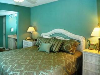 6TH FLOOR BEACHFRONT FOR 6!  TAKE 10% OFF MARCH STAYS!  CALL NOW!, Fort Walton Beach