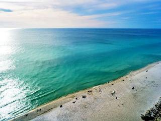 Beachfront Condo That Sleeps 8! Open Week of 4/11, Panama City Beach