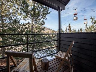 4BR/4BA Rustic Mountain Condo, Park City, Sleep 11 With new updates & owners!