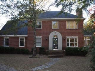 Stately 3 Bed 3 Bath on 3 Acres! (long/short term), Aiken