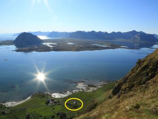 Havern Vacation Lofoten is located in a rural area in the middle of Lofoten