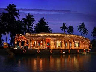 Welcome House Boat  (Double Bed Room for 6 PAX), Alappuzha
