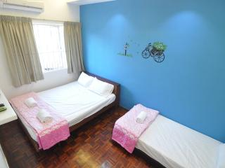 myPJ Room for 3pax -SS2, Petaling Jaya