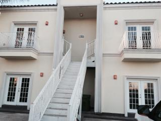 #1 Modern 2 Bed / 2 Bath - Near the Beach!, Isla del Padre Sur