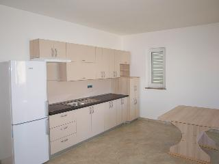Andrea 2 ap. for 6 people close to beach, Novalja