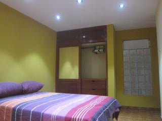 2x1.5 beds or 1 King + Insuite bathroom 1st floor, Huanchaco