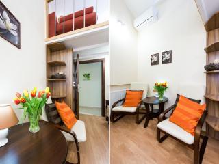 4bdr 2bth Vanilla 3 Apartment 5min to Main Square, Cracovia