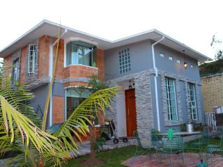 House in Best area of Quito surrounding valley