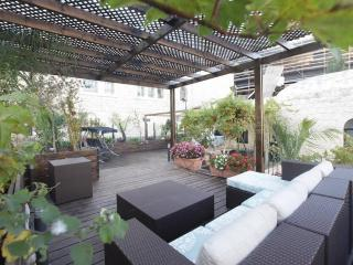 Romantic  Vacation House Near Mamilla!! DONT MISS!, Jerusalén