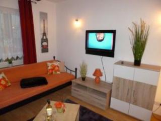 Vacation Apartment in Koblenz - 990 sqft, newly remodeled, comfortable, WiFi (# 154)