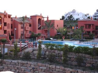 Spacious duplex penthouse,several pools,near golf