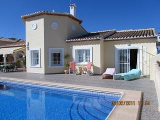 Luxury Vila  - Calpe - A/C - Wi Fi Pool - Nr shops