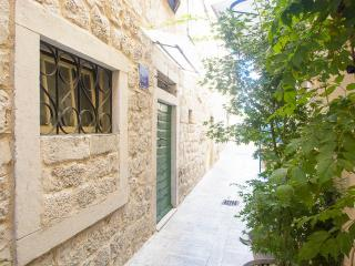 livia rooms, Trogir