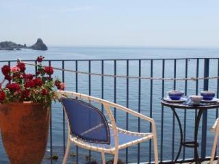 Suite on the sea, Aci Castello