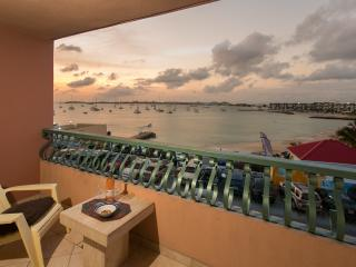 Relax on the spacious balcony and view the sunset every day.