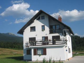 HOUSE PLJEŠEVICA, Plitvica
