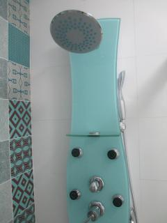 Hydromassage shower