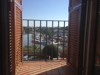 Stunning frontline apartment on Calador Marina