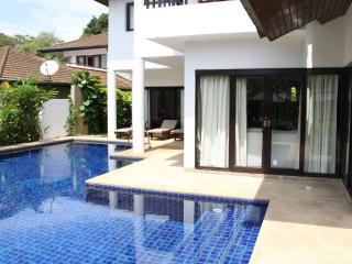 Surin Beach 4 bedroom-500 metres to Beach PB, Phuket Town
