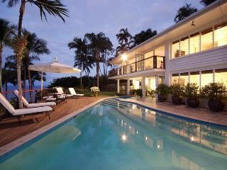 Beachfront with magic views over the Coral Sea