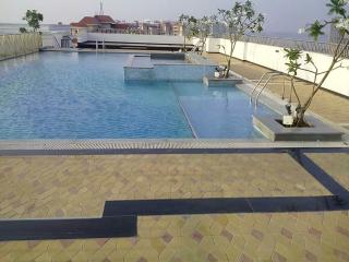 Fully furnished flat at EKM Marine drive., Ernakulam
