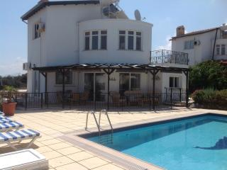 Stunning detached villa with private pool, Ayios Amvrosios