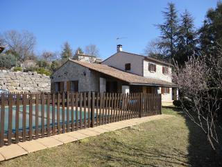 Maison à Labeaume, Ardeche avec piscine privée