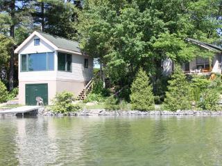 Lake Couchiching Family Retreat, Honey Harbour