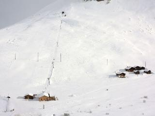 We are just 1 km from the ski lifts at Avers Juppa