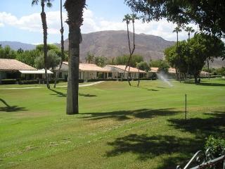 DUR69 - Rancho Las Palmas Country Club - 2 BDRM, 2 BA, Rancho Mirage