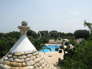 villa poggioreale piscina e trullo, San Vito dei Normanni