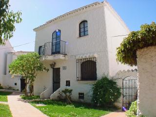 Detached villa, totally refurbished, with air-con, Nerja
