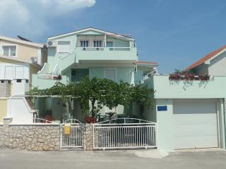 Apartments with a sea view, Otok Ciovo, Trogir, Okrug Gornji