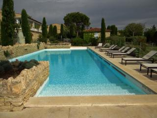 CHARMING COUNTRY HOUSE IN GORDES IN A RESIDENTIAL, Gordes