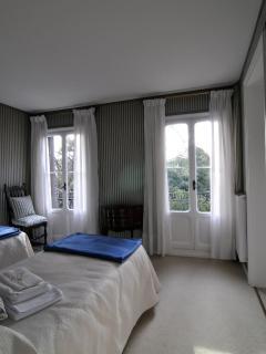 second bedroom with en-suite bathroom and balcony