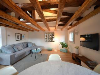 the cozy living room of the Sagredo apartment
