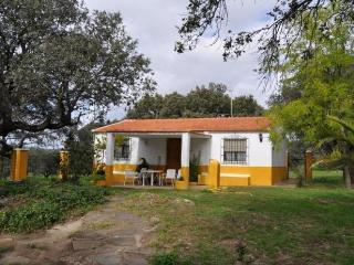 Holiday Home in Caceres 100400, Casas del Monte