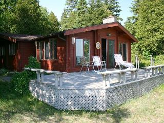 Retreat on the Bay cottage (#940)