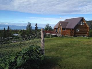 Wild Shore Escape - An Alaskan Log Cabin, Homer