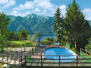 Vacanza in una vecchia Villa con piscina VCF1, Tronzano Lago Maggiore