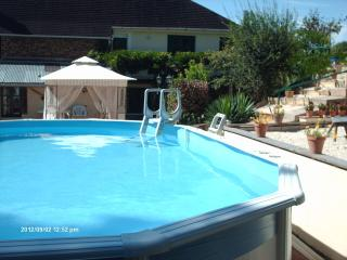 Maison Ellesmere - Self Catering Apartment & Pool