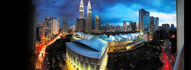 To business travelers, KL Convention Centre is also walking distance from the studio.