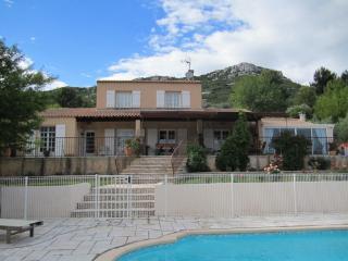 Villa avec piscine, CALME,entre CASSIS et AIX EN P, La-Bouilladisse