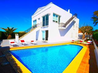 Villa Cala Blanca - vistas al mar -playa c. Blanca