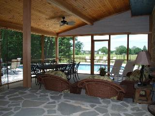 LABOR DAY weekend 3 nights $1498 * Private POOL* Large screened porch * Gorgeous