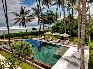 Private Beach Villa Gita Segara in Bali Candidasa