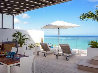 Cap Ouest:  2 BDR Deluxe Penthouse, private pool, Flic En Flac
